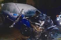 Hasiči vyjížděli do Mělníka k požáru osobního automobilu.