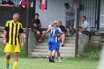 Katr cup: Sokol Tuhaň (v modrém) - Sokol Všetaty (5:3)