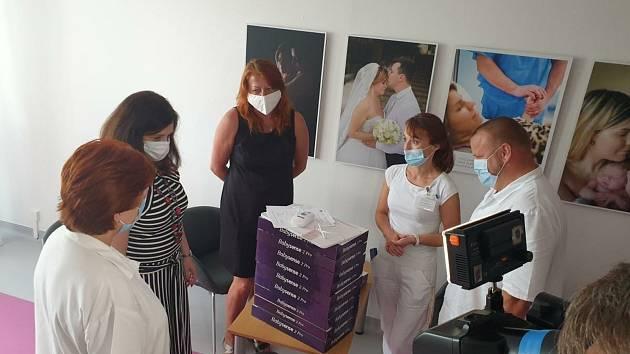Mělnické nemocnici nově pomáhají monitory dechu.