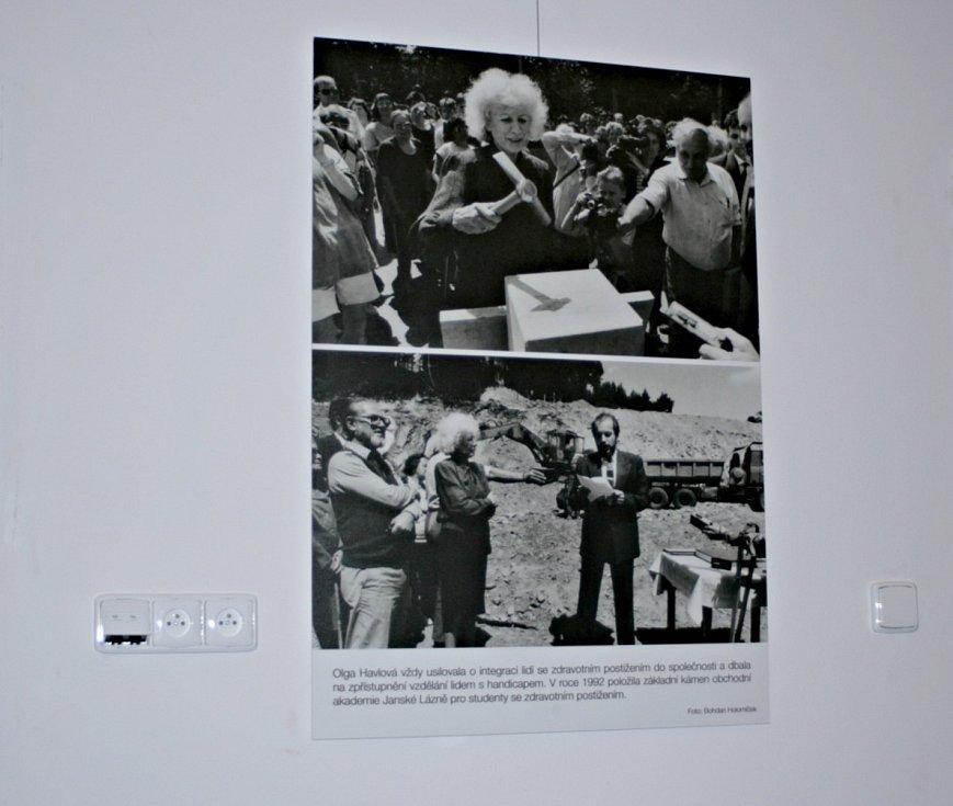 Výstava na Mělníku připomíná manžele Havlovy.