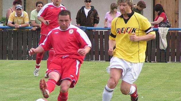S obranou Ostré si před dvěma týdny neporadili ani fotbalisté Pšovky. Lužeckým se to podařilo.