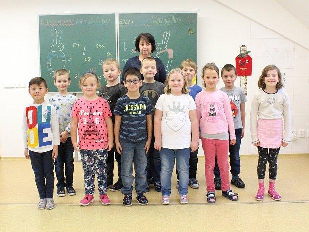 Žáci 1.třídy ZŠ Vysoká, třídní učitelka Blanka Uhrová