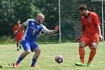 Přípravný turnaj v Tuhani, z utkání Tuhaň (v modrém) - Dřínov (2:3 na penalty)