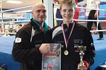 Tomáš Horn, svěřenec bývalého úspěšného boxera Rudolfa Kraje, vybojoval titul na MČR kadetů.