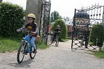 Cykloprohlídka zámeckého parku ve Veltrusech.