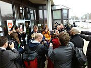 Hned dvakrát se s důraznými protesty proti záměru vybudovat spalovnu, kterou jako ZEVO neboli zařízení pro energetické využití odpadu chystá společnost ČEZ v Elektrárně Mělník v Horních Počaplech, setkal ve středu premiér v demisi Andrej Babiš (ANO).