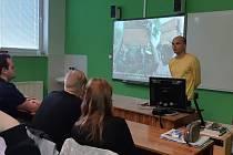Bezbariérové přístupy, nové vybavení do laboratoří nebo nákup výpočetní techniky, to vše poskytne Střední odborné škole a Střednímu odbornému učilišti (SOŠ a SOU) Kralupy nad Vltavou ministerstvo pro místní rozvoj v rámci programu ITI.