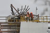22. března loňského roku došlo k výbuchu v chemičce Synthos při čištění nádrže a zahynulo šest dělníků.