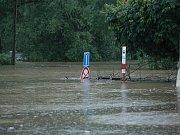 Velká voda děsí obyvatele Zálezlic.