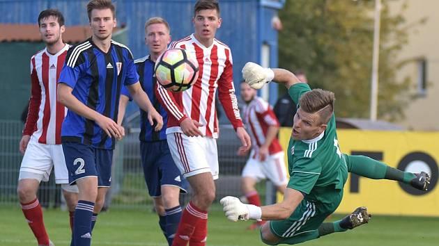 ČFL: Viktorie Jirny - SK Zápy (v modrém) 1:3, podzim 2017.