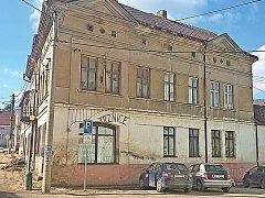 Pěstírna byla v bývalém sídle elektrikářů ve Mšeně.