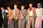 ŠESTICE amatérských herců, kteří spolu hrají už šestý rok, má ve svém repertoáru také cimrmanovské představení Záskok.