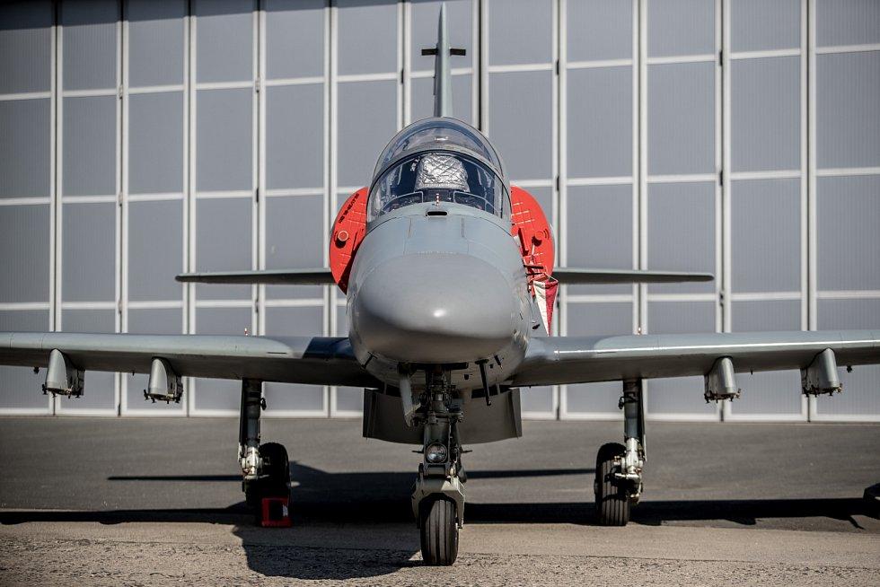 Nový letoun L-159 představila společnost Aero Vodochody 31. března ve svém areálu v Odoleně Vodě u Prahy. Ilustrační snímek staršího typu L-159.