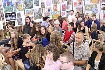V sále mšenské radnice byla otevřena výstava Pocta lidickým dětem.