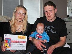 Petr Kuřátko se rodičům Nikole Bártové a Petru Kuřátkovi z Lužce nad Vltavou narodil v mělnické porodnici 30. října minulého roku.