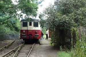 Po třech a půl letech po obnovení provozu skončí pravidelná osobní doprava na trati Čelákovice – Mochov.