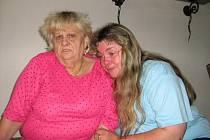 Věra Červenková se svou maminkou.