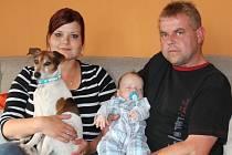 Kristýna Hazdrová a Václav Geiger spolu mají syna Vašíka. Jack Russell teriér Bill mu dělá osobního strážce.