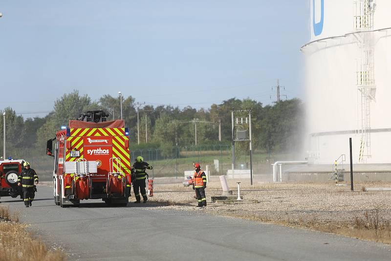 Z vojenského cvičení Safeguard v prostoru Centrálního tankoviště ropy Mero u Nelahozevsi.