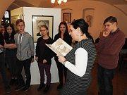 Výstava Život, doba a dílo Viktora Dyka u příležitosti 140. výročí narození je připravená v mělnickém Regionálním muzeu.