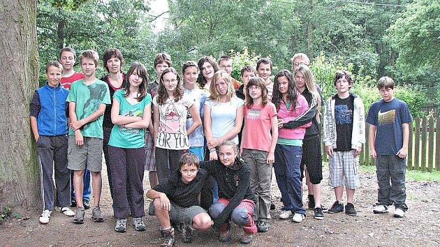 Učitelka Romana Niemcová byla se svou třídou na škole v přírodě v Kokořínském Dole.
