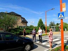 Jako první po novém Oranžovém přechodu přešli místostarosta Jaroslav Morávek s kolegyněmi z městského úřadu.