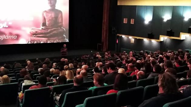 Renovace sedadel čeká kralupské kino Vltava