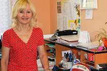 Lenka Vybíralová učí na lobkovické obchodní akademii a ekonomickém lyceu už od vzniku školy. Studenty vede v hodinách písemné a ústní komunikace a tělesné výchovy.