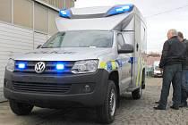 Policisté si v Mělníku převzali nové amaroky.