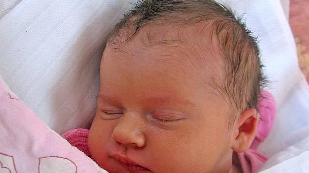 Aneta Matějková se rodičům Pavlíně a Jiřímu z Tuhaně narodila 15. února 2011, vážila 3,55 kg a měřila 50 cm. Na sestřičku se těší skoro 2letá Karolínka.