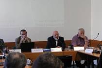 Z pondělního zasedání zastupitelstva v Mělníku.