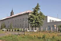 Bývalý klášter ve Veltrusích.