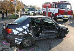 Páteční nehoda v mělnické ulici Legionářů.