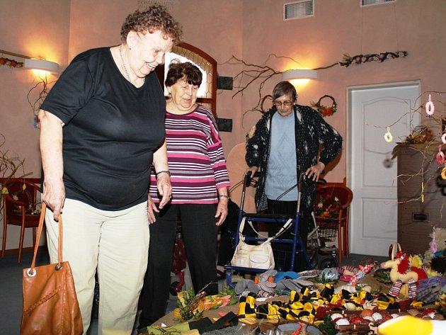 Velikonoční výstava výrobků klientů Domu Kněžny Emmy v Neratovicích.