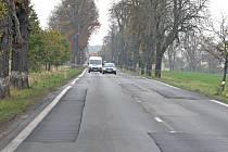 Silnice v liblické aleji je opravena.