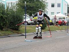 Polský účastník závodu Wojciech Kurzawa skončil v kralupské Hálkově ulici na pátém místě při mistrovství ČR ve slalomu.