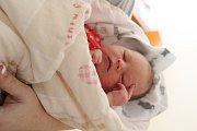 TEREZA SMOLÍKOVÁ se rodičům Petře a Tomášovi z Lázní Toušeň narodila 28. března 2018 v mělnické porodnici, měřila 49 cm a vážila 3,42 kg. Doma se na ni těší 15letá Štěpánka.