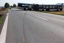 Policisté hledají svědky nehody autobusu.