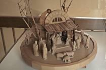VMěstském muzeu vKralupech nad Vltavou byla do konce loňského roku instalována krásná výstava betlémů, kterou vystřídá vpolovině ledna výstava snázvem Díky dřevu autora Martina Patřičného, českého výtvarníka a spisovatele.