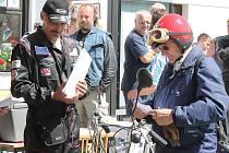 V sedle svého sachse ovládl Bedřich Douda kategorii malých motocyklů na Jízdě Kokořínskem.