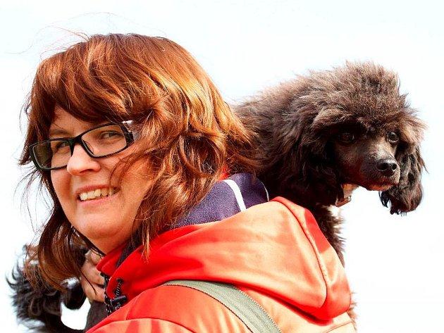 Markéta Korintová s jedním ze svých psů.