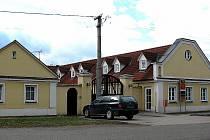NEMOVITOST, která patřila společnosti ČEZ, loni koupila obec. Má tam vzniknout centrum obchodu a služeb.