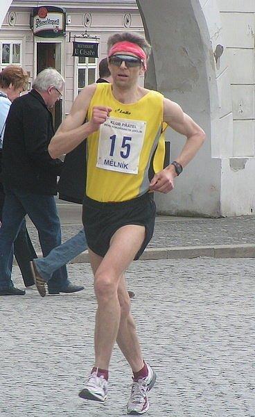 Z doběhu nejlepších na 14. Mělnickém Maratonu Míru.