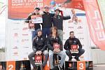 Stupně vítězů nedělního závodu K1 mužů