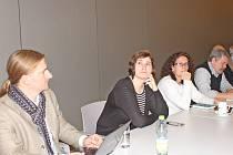 Konference v kralupském technoparku řešila synergii v chemii a energetice. Synergie znamená součinnost, společné působení. Na toto téma se sešlo v Kralupech diskuzní fórum členů pěti národních technologických platforem. Jednání zastřešoval Svaz chemického
