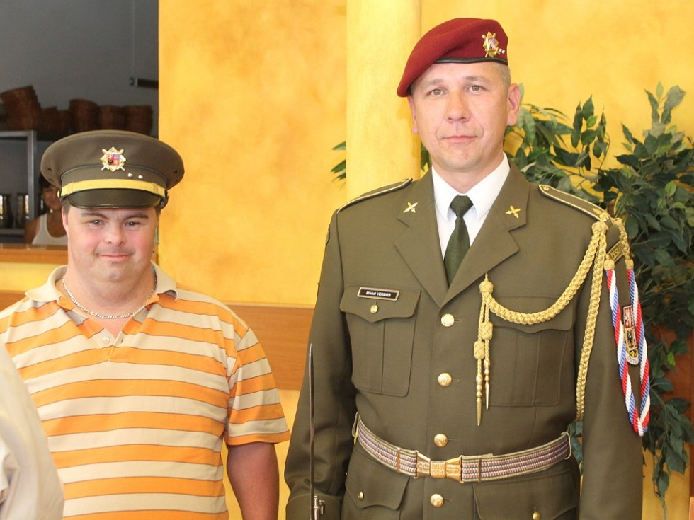 Návštěva Čestné stráže Armády ČR v neratovickém Domě Kněžny Emmy.