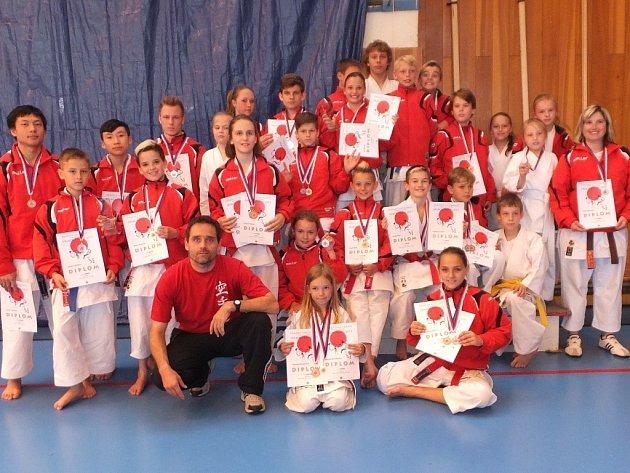 Karatisty Dragonu čekají mezinárodní soutěže, kde jim budou konkurovat medailisté světových soutěží.