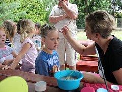 Na zahradní slavnosti v lužecké mateřské škole se naposledy rozloučili s předškoláky.
