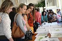 Výstava projekčních prací studentů vyšší odborné školy ČZA Mělník.