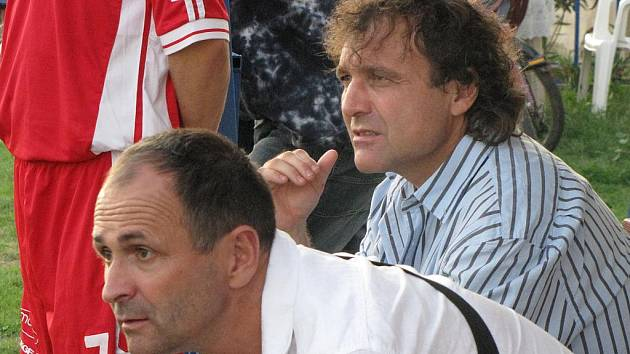 Trenéři FC Mělník Željko Filipovič a Petr Kalkant